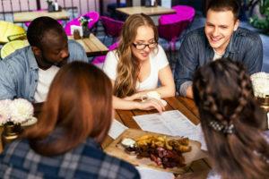 Ideas para tu cena o comida de empresa para que sea memorable