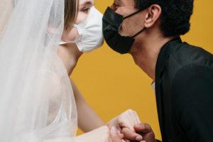 Las bodas en tiempos de coronavirus: sin baile y con mascarilla